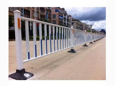 百色锌钢护栏道路隔离栏优惠价公路护栏出厂价