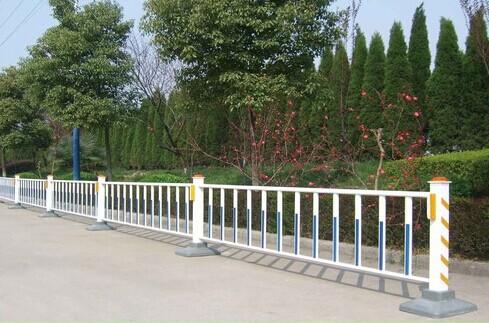 南宁公路护栏锌钢护栏优惠价道路护栏出厂价