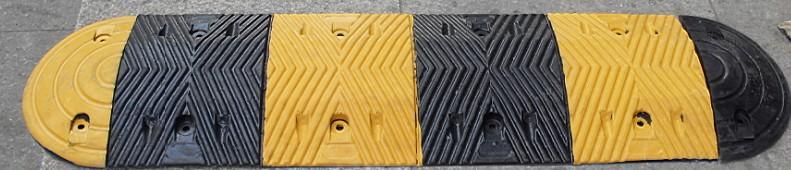 百色减速带优惠价橡胶减速带出厂价