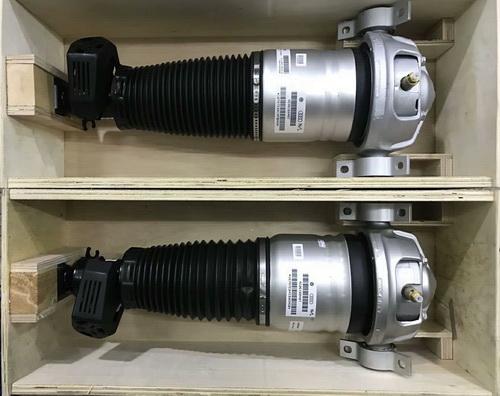 奥迪A8L D4 A6L减震器 暖风箱 雨刮喷水壶