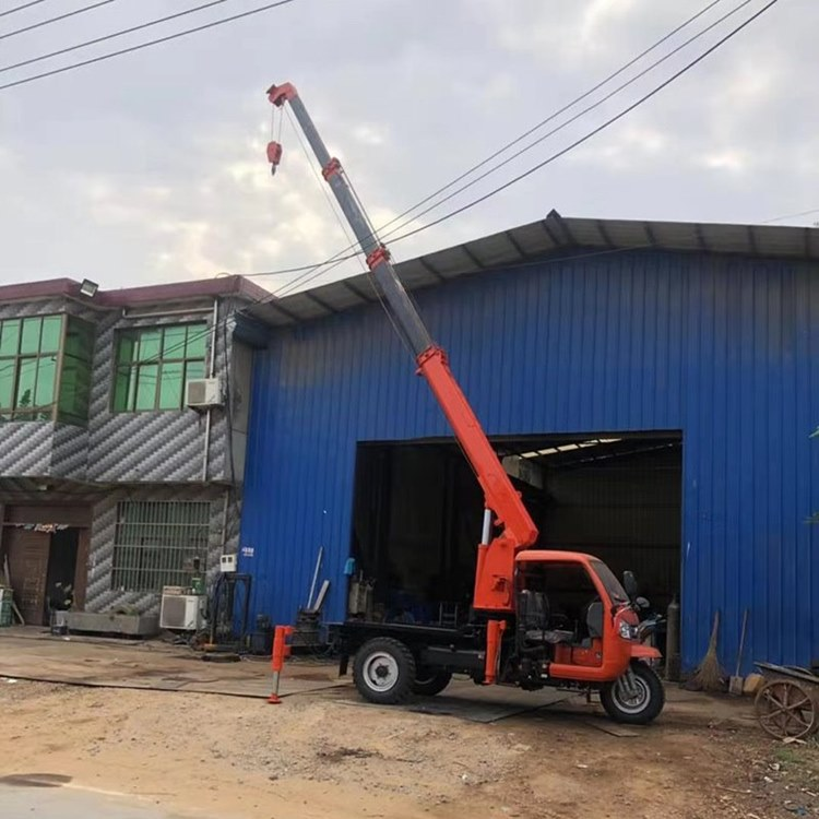 厂家定制三轮吊绿化专用拉树吊三轮随车吊