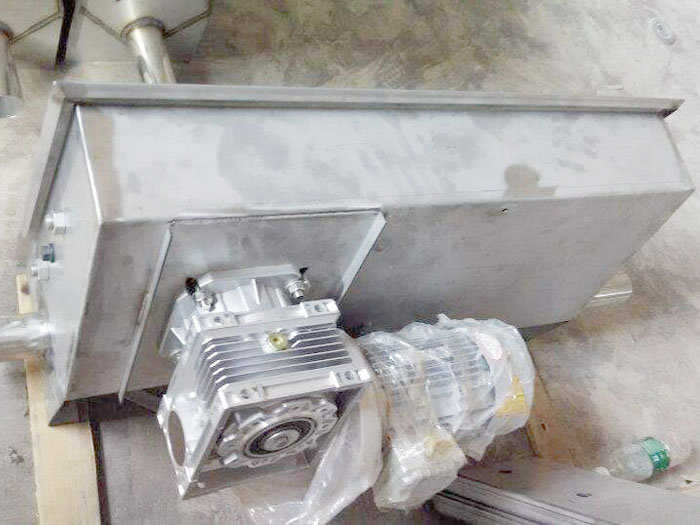 北京批发自动喂料主机系统稳定-牧泽